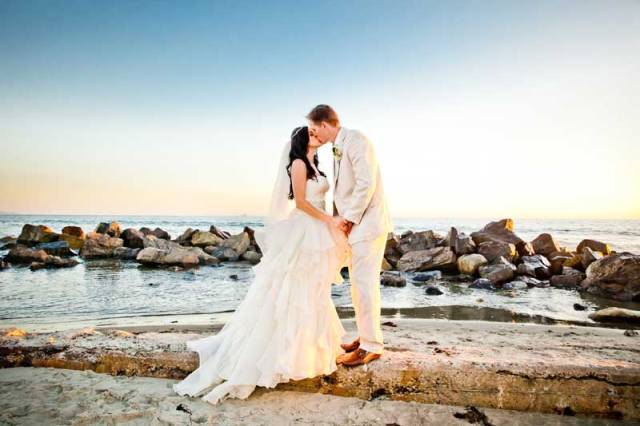 hope-zack-hotel-del-coronado-wedding-08